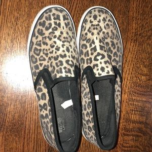 Cheetah print size 9 sneakers